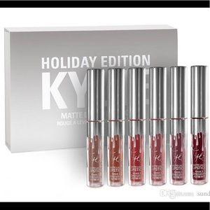Kylie cosmetics holiday edition matte mini lips